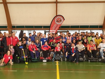 Il Floorball incontra il Wheelchair Hockey
